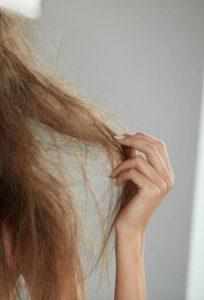 I modi migliori per trattare I capelli completamente asciutti