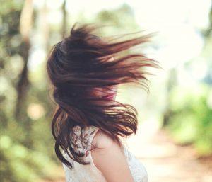 Principali cause della perdita di capelli