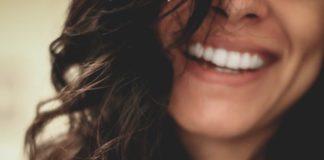 Denti mancanti in vecchiaia come sostituirli