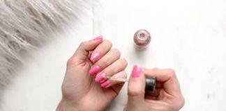 Unghie ibride come rigenerare le proprie unghie dopo una manicure ibrida